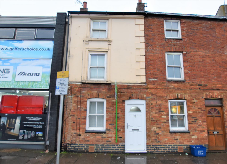Two Bedroom house for Sale, Northampton